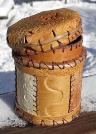 Wonderful canister with nice bent lid