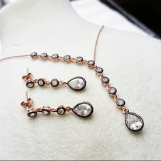 Kolye Elmas Montürü Gümüş Set Mys-5862 149,00 ₺ Jewelry Art, Fashion Jewelry, Jewellery, Beaded Bracelets, Silver, Models, Jewerly, Templates, Jewels