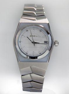 395da8d90557 Reloj BREIL de señora. Caja de acero con bisel en metacrilato blanco