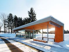 bus station: