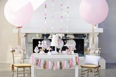 Pink + Gold New Year's Eve Party for HGTV!    { @Andrea Seibolt: Stella's Party! }