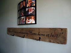 THE REHOMESTEADERS: DIY Barnwood Welcome Sign