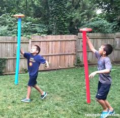 Pool Noodle Frisbee Race 🏃🏻♂️ ages 🏃🏻♀️ All you need are some pool noodles and frisbees for this fun outdoor activity! The goal is to… Pool Noodle Games, Noodles Games, Pool Noodles, Pool Noodle Crafts, Field Day Activities, Field Day Games, Pe Activities, Pe Games, Kids Party Games