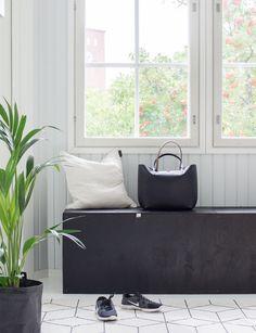Tee se itse vaneripenkki kengille. Käsittely Supi saunavahalla, vetimet nahasta | Eteisen säilytys DIY plywood bench | entrace storage solutions