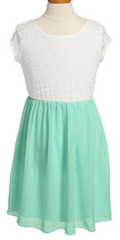 Pretty lace & chiffon bow back dress http://rstyle.me/n/jxr65nyg6