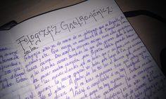 ¡En esta era digital llama la atención la escritura manual! Este es el precioso cuaderno de Estibaliz Urquiola, alumna del curso en su cuarta edición. En la universidad van proliferando portátiles y tablets para tomar apuntes, pero todavía quedan huecos para los románticos.  Foto Nuria Blanco (@nuriblan CM @UCMgastro)