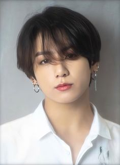 Jeon Jungkook(BTS) Facts He was born in Busan, South Korea. Jungkook's family consists of: Mom, dad, older brother Education: Seo. Bts Taehyung, Jungkook Cute, Jungkook Oppa, Bts Bangtan Boy, Namjoon, Jung Kook, Foto Bts, Bts Photo, Busan