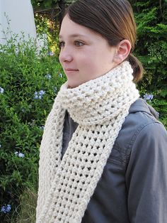 Ravelry: A Hint of Snow pattern by Linda Dawkins Super bulky on 6.5mm