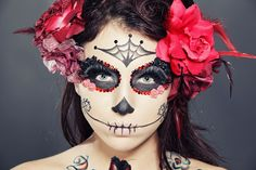 If Halloween pushed your budget, it may be too costly to buy a new Day of the Dead costume. But these DIY Dia de los Muertos costume ideas are cheap and fun.
