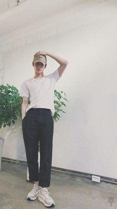 "Jaehyun itu kalau kata Andra and the Backbone ""Kau begitu sempurna"" … Nct 127, K Pop, Park Ji-sung, Valentines For Boys, Mark Nct, Jung Jaehyun, Jung Yoon, Jaehyun Nct, Na Jaemin"