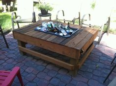 patio cooler table - could make this out of old pallets