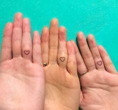 From hearts to fish, here are 50 stunning finger tattoos. Knuckle Tattoos, Leg Tattoos, Arm Tattoo, Body Art Tattoos, Tattoo Ink, Dainty Tattoos, Inside Finger Tattoos, Finger Tats, Traditional Tattoo Flash