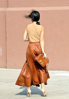Moda en la calle street style tendencia beige - Miroslava Duma