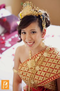red and gold~Cambodian wedding