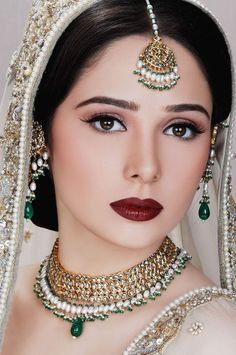 Wedding Indian Makeup Bridal Looks 69 Ideas Indian Bridal Makeup, Asian Bridal, Pakistani Bridal Jewelry, Indian Jewelry, Best Bridal Makeup, Bride Makeup, Braut Make-up, Exotic Beauties, Bollywood Stars