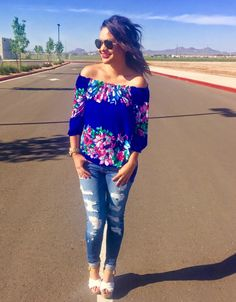 Outfit Post: Distressed Denim and Floral with Junky Trunk