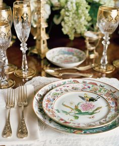 Sit at the table to eat all your meals. Tonya Leigh inspiration...Dine, don't feed!