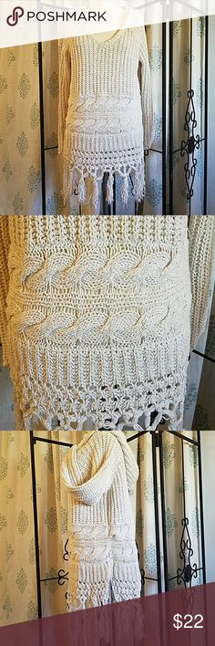 Free People fringed hooded sweater L Cream with flecks of colors, fun little throw on,  some pulls, but hardly noticeable due to the nature of the sweater Free People Sweaters