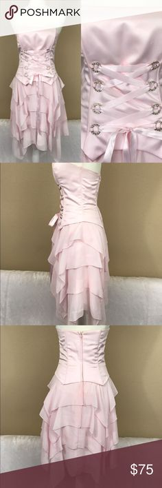 Vintage Jessica McClintock ruffle corset dress Great condition, some of the boning is dirty and needs to be cleaned. Very cool for steampunk look Vintage Dresses