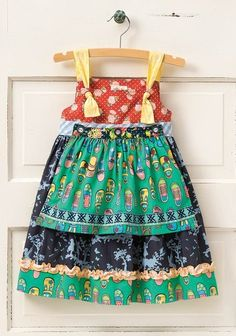 The apron makes it look even more adorable. Love the attention to detail that MJC has with all pieces.