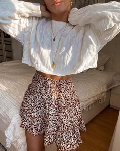 Discovered by Find images and videos about fashion, outfit and look on We Heart It - the app to get lost in what you love. Adrette Outfits, Teen Fashion Outfits, Cute Casual Outfits, Look Fashion, Spring Outfits, Autumn Fashion, Girly Outfits, Casual Teen Fashion, Floral Skirt Outfits