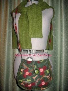 Sac en laine de feutre ( Mérinos), travail artisanal, modèle unique. : Sacs bandoulière par maisonnette-de-lainelena