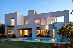 Fachadas de casas bonitas de diferentes tipos y tendencias: un y dos pisos, contemporáneas, minimalistas, modernas, rústicas, de campo, de d... #casasdecampodeunpiso #casasdecampominimalistas #casasmodernasminimalistas