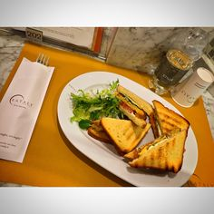 My lunch today #lunch @eatalygram #EatalySmeraldo #ristorante #verdure #chef #damiano #toast #friseesalad #tomato #mayonnaise #water #socialnetwork #tumblr #twitter #instagram #foursquare #swarm #pinterest #facebook #food #eat #love #photo #iphone6 #kiss #good #like #city #milan #piazzaXXVAprile #corsocomo #day (presso Eataly Milano Smeraldo)