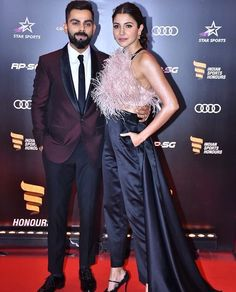 Anushka Sharma And Virat Kohli Make A Perfect Couple As They Attend Indian Sports Honors - HungryBoo Anushka Sharma Virat Kohli, Virat And Anushka, Anushka Sharma Images, Virat Kohli Beard, Bollywood Couples, Gold Mangalsutra, Instagram Queen, Suit Men, Looking Dapper