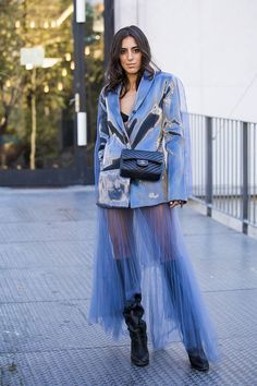 17 Genuinely Edgy Ways to Wear Tulle - Street Style Inspiration - Fashion Week, Star Fashion, Look Fashion, High Fashion, Womens Fashion, Feminine Fashion, Fashion Edgy, Ladies Fashion, Lolita Fashion