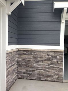 51 Super Ideas for exterior house colors curb appeal home Exterior Paint Colors For House, Paint Colors For Home, Exterior Colors, Exterior Design, Siding Colors, Brick Colors, Exterior Brick Veneer, Wall Exterior, Colonial Exterior