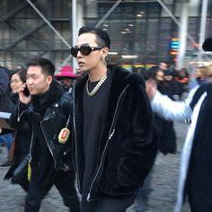 "G-Dragon Leaving ""Vetements"" Show in Paris (170125) [PHOTO] - bigbangupdates"