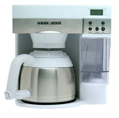 RV Coffee Maker - Living in an RV gives the best sense of modern adventure. However, the long travel can be really taxing. Coffee Maker Reviews, Best Coffee Maker, Drip Coffee Maker, Coffee Type, Coffee Pods, Cheap Coffee Machines, Thermal Coffee Maker, Stainless Steel French Press, Single Serve Coffee