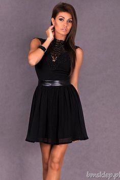 Rozkloszowana sukienka damska zapinana na #zamek. Bez rękawów. Góra w całości wykonana z ciekawego haftu.... #Sukienki - http://bmsklep.pl/emamoda-rozkloszowana-sukienka-z-haftem-czarny-4702-1-sukienki