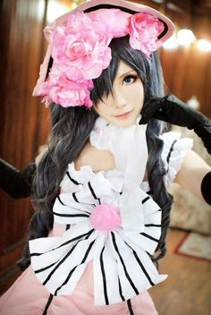 See, this is how messed up/awesome cosplay is. This is a girl who is cosplaying as a guy who is pretending to be a girl.) Ciel Phantomhive from Black Butler Cosplay Cosplay Anime, Ciel Cosplay, Epic Cosplay, Amazing Cosplay, Cosplay Outfits, Cosplay Girls, Robin Cosplay, Ciel Phantomhive Cosplay, Black Butler Cosplay