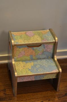 Decoupaged step stool w/old thrift store atlas Map Crafts, Home Crafts, Painted Furniture, Diy Furniture, Map Globe, Repurposed Items, Old Maps, Vintage Children's Books, Decoration