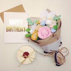 Felt Flowers, Diy Flowers, Fabric Flowers, Paper Flowers, Felt Diy, Felt Crafts, Diy And Crafts, Candle Making Business, Felt Sheets