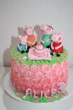 Peppa Pig Cake - less fondant Tortas Peppa Pig, Peppa Pig Birthday Cake, 3rd Birthday, Birthday Ideas, Cakepops, Buttercream Cake, Cake Tutorial, Cakes And More, Cupcake Cookies