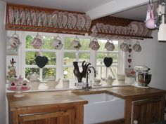 Emma Bridgewater collection & a rather beautiful looking kitchen sink too