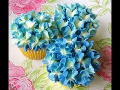 Buttercream Hydrangea Cupcake Tutorial - YouTube
