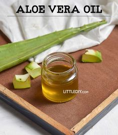 Aloe vera is used in a lot of skincare, hair care, and healthy recipes. It is one of the best skincare and hair care ingredients! Aloe vera oil is available commercially and is certainly expensive. Aloe Vera Gel, Aloe Vera For Skin, Aloe Vera Skin Care, Gel Aloe, Aloe Vera Face Mask, Aloe Oil, Soap Recipe, Deodorant, Aloe Vera Hair Growth