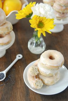 lemon poppyseed donuts...perfect for a Spring brunch or Easter buffet
