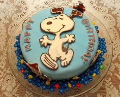 Snoopy Cake making this for my dad :) Snoopy Party, Snoopy Cake, Snoopy Birthday, Birthday Parties, Birthday Gifts, 10th Birthday, Birthday Cakes, Lincoln Birthday, Buttercream Recipe
