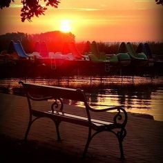 @Regrann from @niederhofferedina -  #balaton #ilovebalaton #napfelkelte #sunrise #alba #mybalatonsummer #béke #peace #pace #nyugalom #calmness #quiete #mik #instasunrise #thebeach #csopak #nikon - #regrann