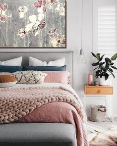 Cute Pink Bedroom Design For Your Valentines Day 03 Beautiful Bedrooms, New Room, Apartment Living, Interior Design, Interior Ideas, Interior Styling, Brown Interior, Home Decor, Minamilist Bedroom
