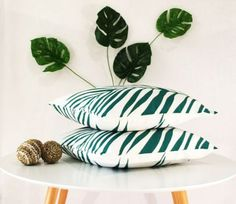 Beautiful tropical cushion. Perfect for indoor or by CitraHome