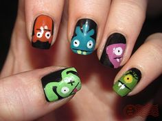 ugly doll nails by daily nail. yup gotta rip this off! lol
