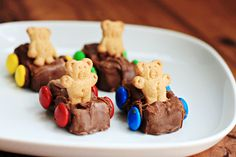 DIY Kid Craft: Teddy Bear Cars but all sugar. Like the concept but may modify this.