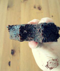 Voila une recette à garder précieusement! Rapide, facile pour un résultat super gourmand. Qui dit mieux? Vous pouvez même adapter la cuisson en fonction de la texture désirée. Par exemple, mon chéri n'aime pas trop les gâteaux qui...