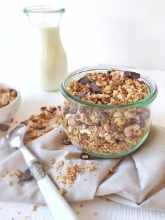 Granola with hazelnuts and chocolate chips organic in my bento Good Morning Breakfast, Breakfast Desayunos, Health Breakfast, Breakfast Smoothies, Breakfast Recipes, Snack Recipes, Snacks, Zumba, Health Smoothie Recipes